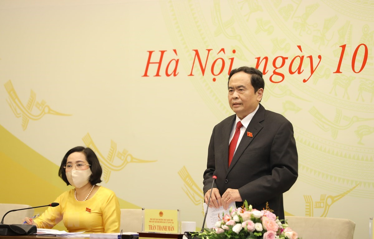 Товарищ Чан Тхань Ман, постоянный заместитель председателя Национального собрания, заместитель председателя Национального избирательного совета, ответил на вопросы журналистов. (Фото: Нгуен Диеп / ВИА)