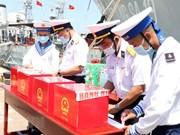 Бариа-Вунгтау проводит досрочное голосование для офицеров и солдат на морской платформе