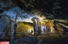 Открыть для себе удивительную пещеру Тхиендыонг протяженностью в 7 км
