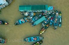 Заря на плавучем рынке Кайранг – уникальное место для туризма на Юге Вьетнама