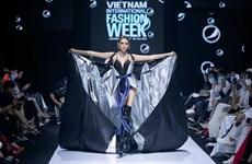 «Новый черный»: классная коллекция уличной моды
