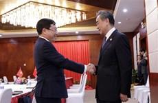 Вице-премьер Фам Бинь Минь провел двусторонние встречи с министрами Китая и Лаоса