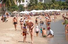 В условиях эпидемии COVID-19 поддерживать цель - привлекать 39 тысяч российских туристов ежемесячно