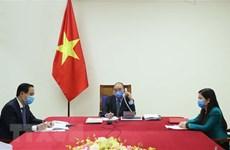 Лидеры Вьетнама и Южной Кореи провели телефонные переговоры о профилактике и борьбе с COVID-19