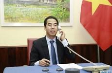 Вьетнам и Великобритания обсуждают способы борьбы с COVID-19 и развитие двусторонних связей