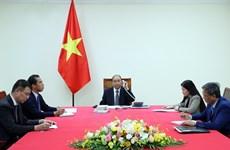 Премьер-министры Вьетнама и Франции обсуждают борьбу с COVID-19 и развитие сотрудничества