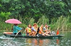 Количество прибывающих иностранных туристов во Вьетнам упало на 61,6% за первые 7 месяцев