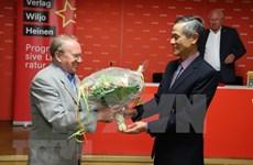 Немецкий журналист представил в Берлине книгу о политической биографии Хо Ши Мина