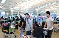 Более 640 вьетнамцев доставлены домой из Сингапура и Республики Корея