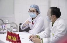 Добровольцы получили по второй прививке вакцины Nanocovax