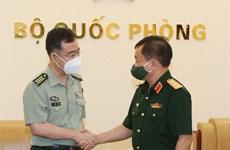 Продолжать продвигать оборонное сотрудничество между Вьетнамом и Китаем