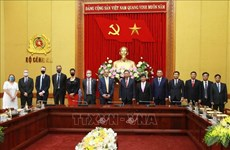 Усиливать сотрудничество между правоохранительными органами Великобритании и Министерством общественной безопасности Вьетнама