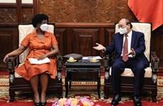 Президент Нгуен Суан Фук принял вице-президента Всемирного банка Викторию Квакву