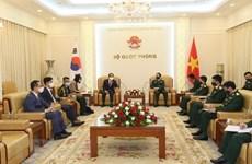 Вьетнам укрепляет оборонные связи с РК и Индией
