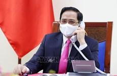 Состоялся телефонный разговор премьер-министра Фам Минь Тьиня с премьер-министром Южной Кореи Ким Бу Гёмом