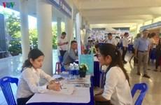 Ярмарка вакансий в Дананге привлекла более 1.000 студентов и работников