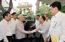 Генеральный секретарь ЦК КПВ, президент Вьетнама встретился с избирателями Ханоя
