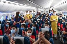 Vietnam Airlines доставляют домой студентов-волонтеров и медицинских работников