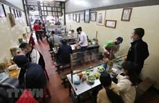 Ханой разрешил возобновление работы ресторанов и общественного транспорта