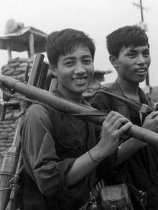 Освобождение Юга Вьетнама: Поколение «Отложи ручку в сторону, чтобы идти в бой»