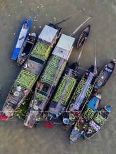 Сохранение культурного наследия и развитие туризма на плавучем рынке Кайранг