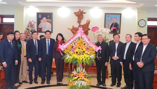 Руководители Партии и Государства поздравили католиков с Рождеством