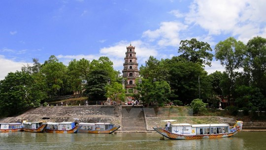 Пагода Тхиенму - старейшая пагода в бывшей столице Хюэ