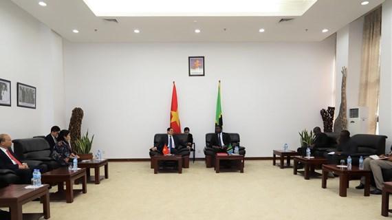 Развитие крепкой и продуктивной дружбы между Вьетнамом и Танзанией