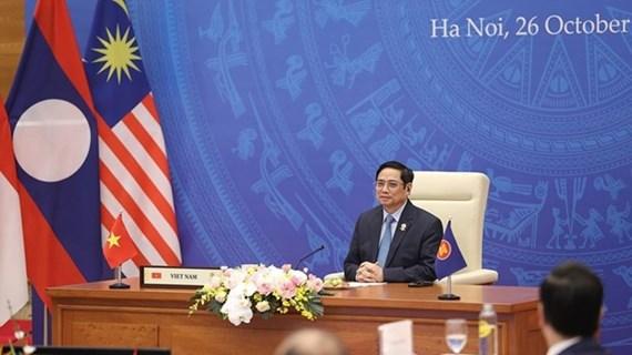 Премьер-министр: АСЕАН должна проявлять активность, инициативность и ответственность во всех вопросах, затрагивающих регион