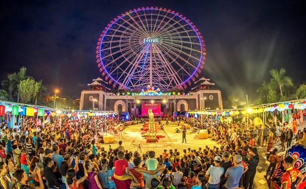 Ночная экономика «зажигает» туризм Дананга: рычаг к «зеленои экономике» hinh anh 2