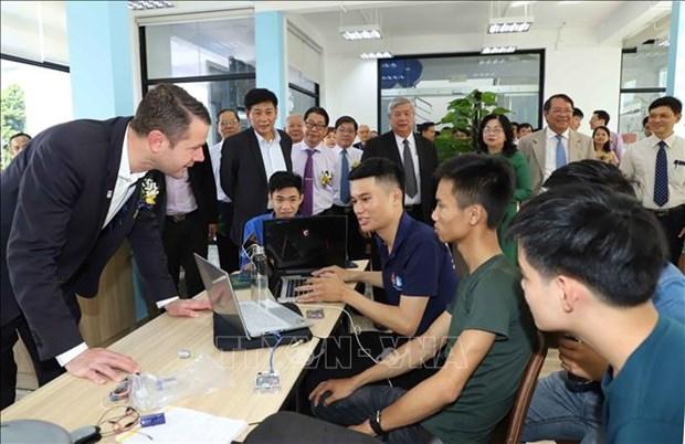 Новыи закон о привлечении иностранных талантов из-за границы для научно-техническои деятельности во Вьетнаме hinh anh 1