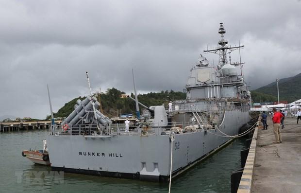 Корабли ВМС США пришвартовались во вьетнамском порту Дананг hinh anh 2