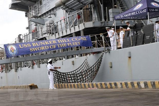 Корабли ВМС США пришвартовались во вьетнамском порту Дананг hinh anh 1