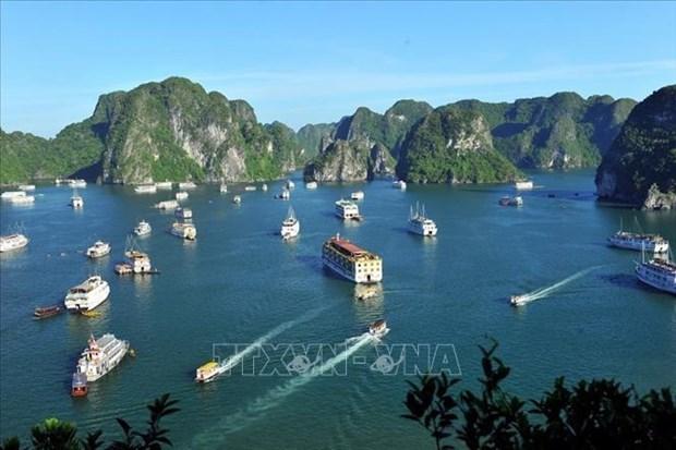 "Провинция Куангнинь выступает за разработку проекта ""Дорога наследия"" вдоль побережья залива Халонг hinh anh 1"