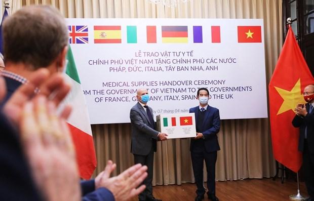 Италия поблагодарила Вьетнам за оказание поддержки в борьбе с пандемиеи COVID-19 hinh anh 1