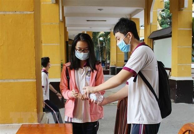 Во Вьетнаме не зафиксировано новых случаев COVID-19, пациент №91 все еще находится в тяжелом состоянии hinh anh 1