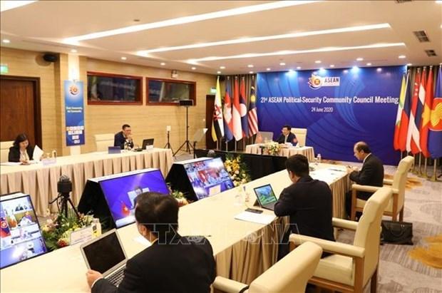 Лаос высоко оценил Вьетнам в качестве председателя АСЕАН hinh anh 1