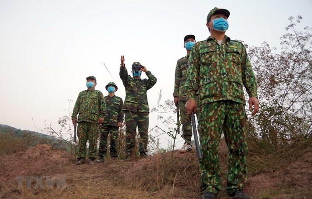 Пограничники усилили контроль за границеи, чтобы предотвратить незаконныи въезд во Вьетнам hinh anh 1