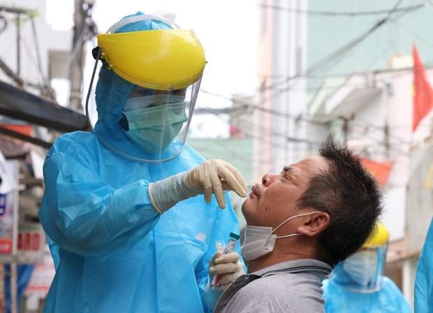 COVID-19: 13 пациентов находятся в критическом состоянии hinh anh 1