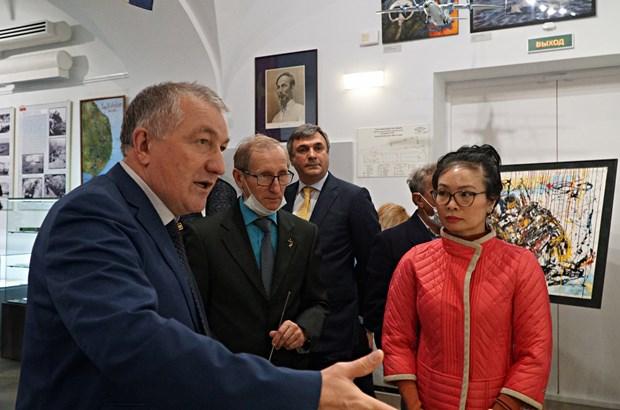 Выставка «Камрань. Военное сотрудничество России и Вьетнама» открылась в Санкт-Петербурге hinh anh 1