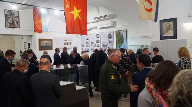 Выставка «Камрань. Военное сотрудничество России и Вьетнама» открылась в Санкт-Петербурге hinh anh 2