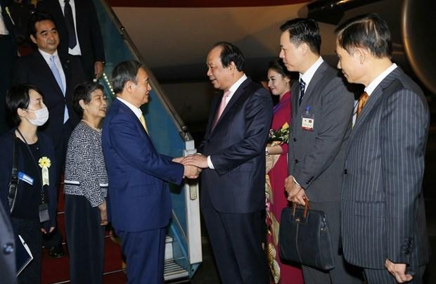 Премьер-министр Японии Есихидэ Суга начал свои визит во Вьетнам hinh anh 1