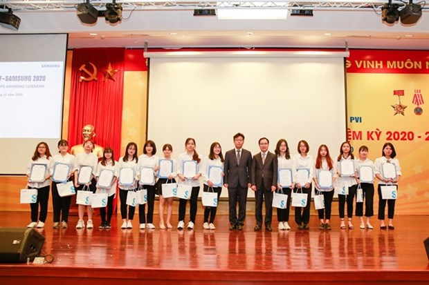 Samsung помогает развивать корееведение во Вьетнаме hinh anh 1