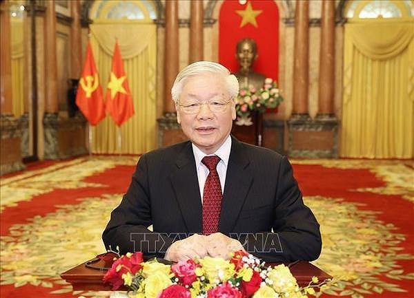 Некоторые теоретические и практические вопросы о социализме и пути к социализму во Вьетнаме hinh anh 1