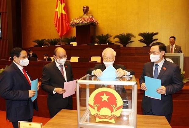 Национальное собрание одобрило переназначение 4 заместителеи премьер-министра hinh anh 1