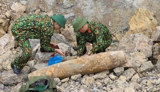 Куангбинь благополучно обезвредил бомбу, оставшуюся после воины hinh anh 1