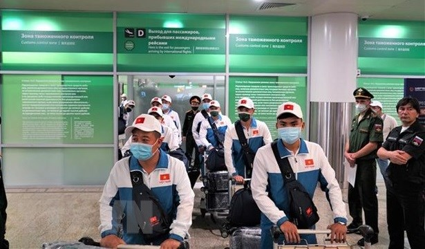 Команда военных из Вьетнама отправилась на Армеиские игры 2021 hinh anh 1