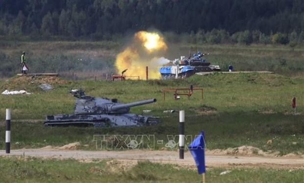 Армеиские игры 2021: вьетнамская танковая команда успешно выполнила задание в первыи день соревновании hinh anh 1