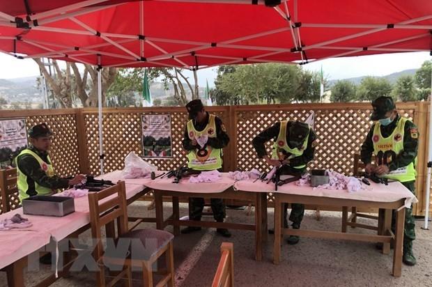 Вьетнам занял второе место в командных соревнованиях по стрельбе из АК в Алжире hinh anh 1