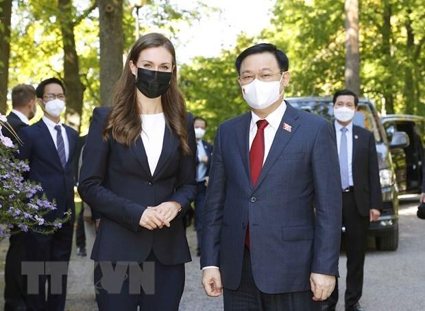 Председатель НC Выонг Динь Хюэ успешно завершил свои визит в Европу hinh anh 1